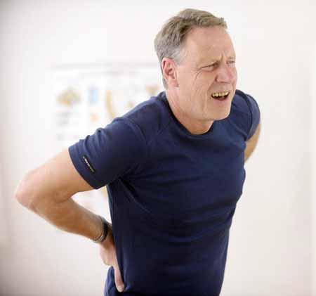 Фиброймалгия является частой причиной болей в спине и усталости.