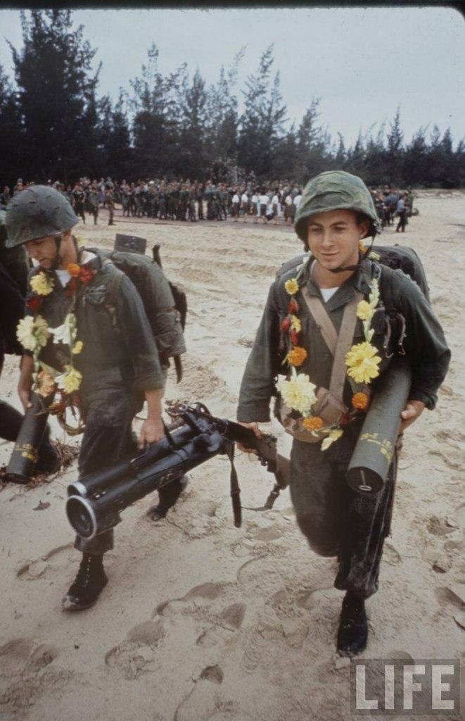 guerre du vietnam - Page 2 AP0HFD2Z27o