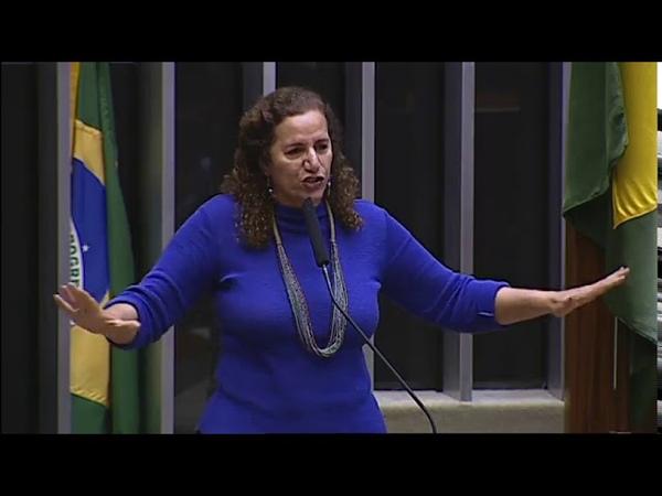 Jandira vai pra cima e mostra a verdade por trás da perseguição a Lula no domingo