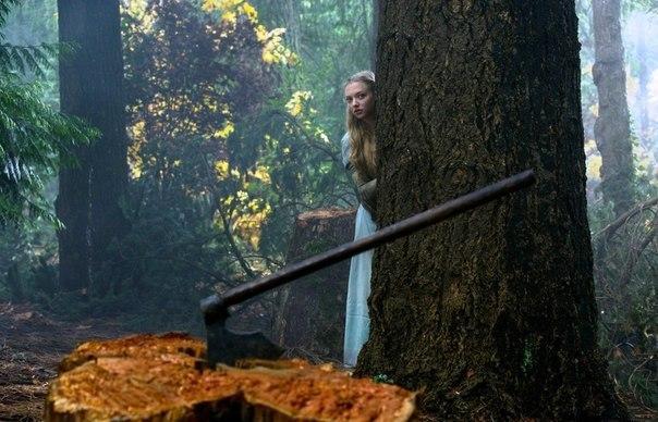 Фото: Отзывы - Kpacнaя шaпoчкa ( 2011) Жанр: фэнтези, триллер  Валери — девочке в красном плаще —