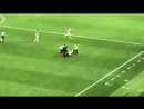 Pussy Riot выбежали на поле во время матча Франция Хорватия они потребовали освободить политзаключенных