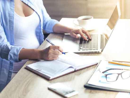 Потребительское кредитование - это кредит, предоставляемый банком или другим финансовым учреждением физическим лицам.
