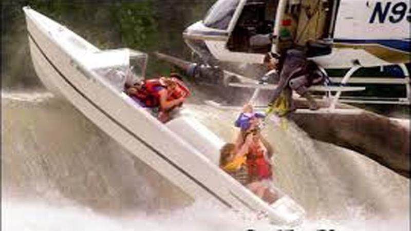 Идиоты за рулем моторных лодок Аварии на воде снятых на камеру 2018 Приколы 2