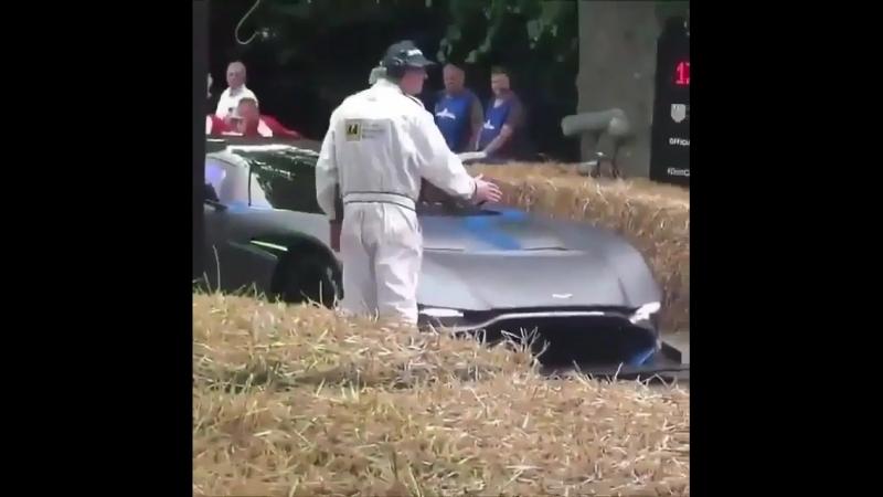 Aston Martin Vulcan 2.3m$