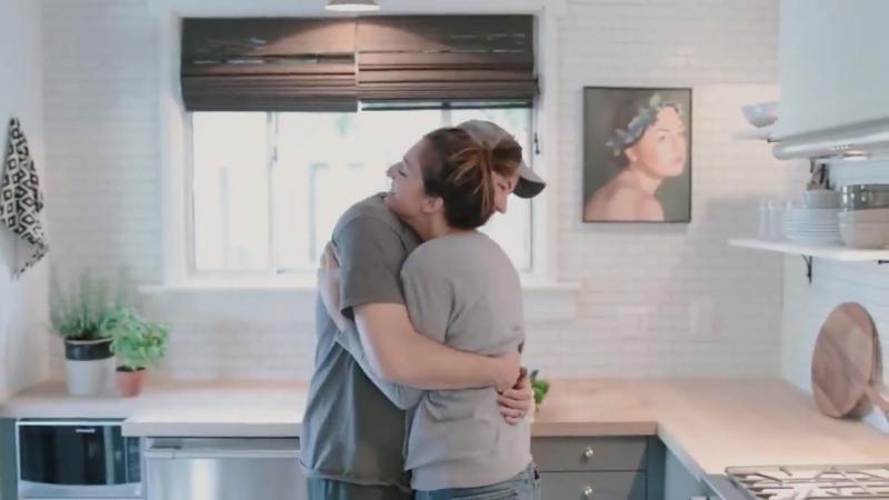 Трогательное видео о семейной паре и кухне за 6 дней