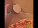 Маленький любитель пиццы