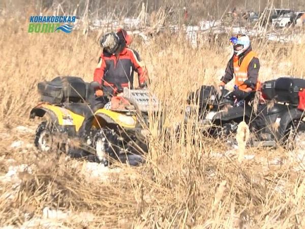 В Конаковском районе участники внедорожного клуба решили пуститься по болотам в поисках весны