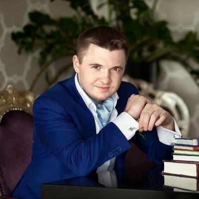 Дмитрий Бажанов
