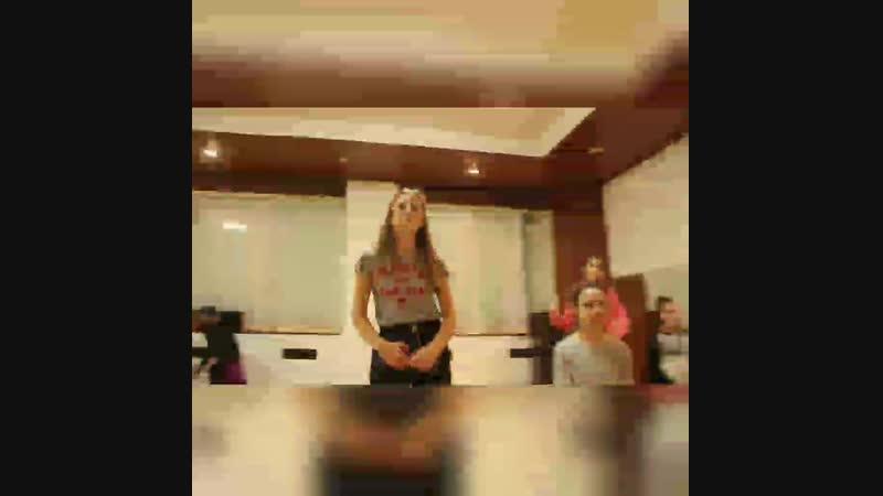 Танцы в Первой детской школе телевидения и эстрады