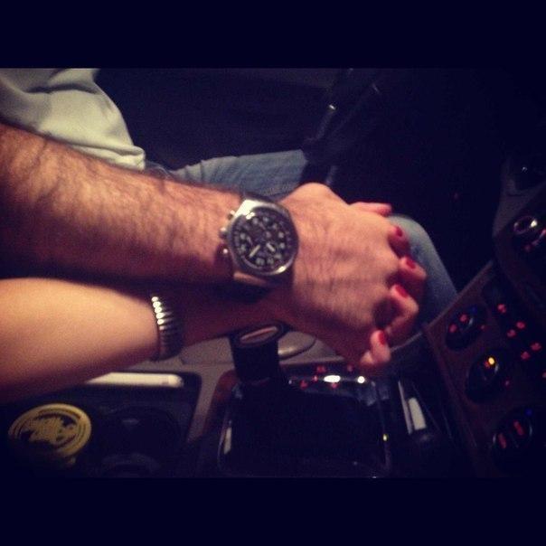 Фото в машине руки