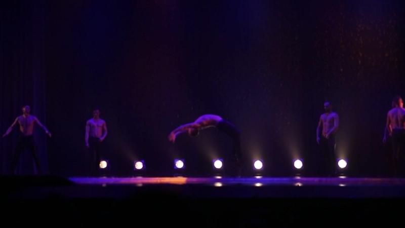 17.03.2018 Санкт-Петербургский театр танца ИСКУШЕНИЕ. Шоу под дождем- мужчина и женщина.