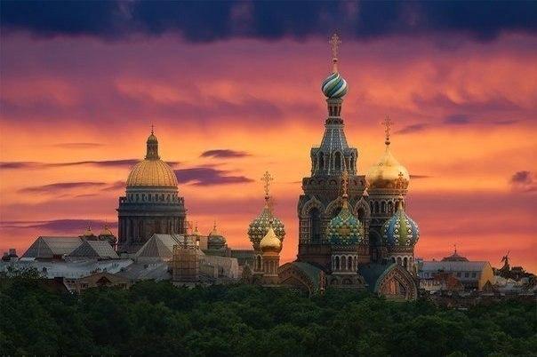 Санкт-Петербург - единственная европейская столица, которая никогда, ни в один п...