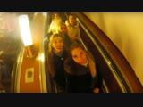 Девушки поют в метро! Russian girls sing in the subway Белое Злато