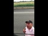 Водитель грузовика прикинулся исландским болельщиком и попробовал разыграть полицейского [NR]