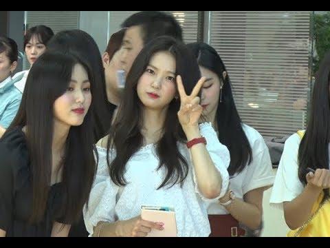 [SSTV] CLC(씨엘씨) 출국길… 클로즈업 부르는 '상큼러블리 미모'