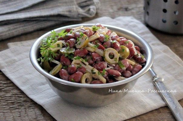 Салат с консервированной фасолью рецепт с фото