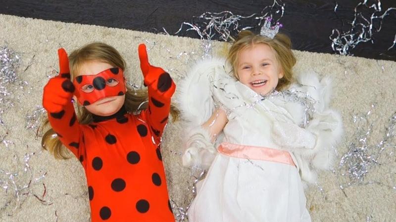 Новый год для детей  Наряжаем ёлку  Милана в костюме Леди Баг