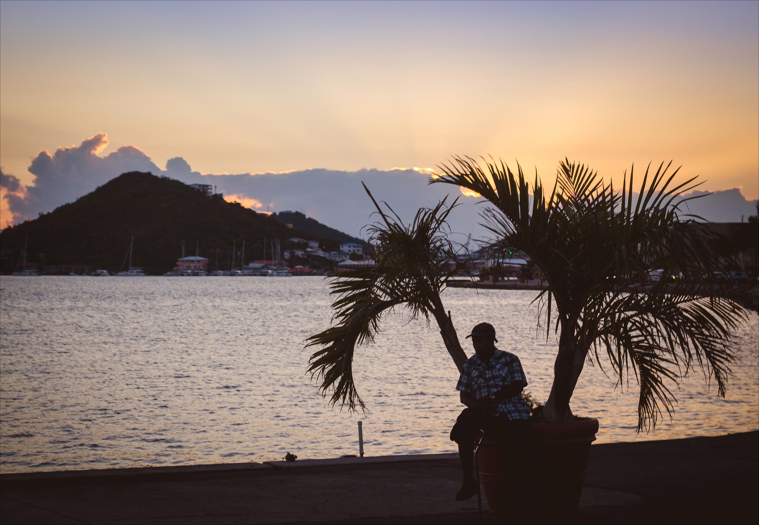 Закат на острове Ст Томас