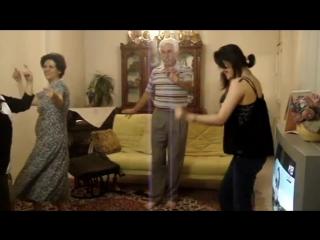 amirst21 digitall(HD)رقص خانواده شاد ایرانی بخاطر سال نو یک شب هزار شب نمیشه Persian Dance Girl