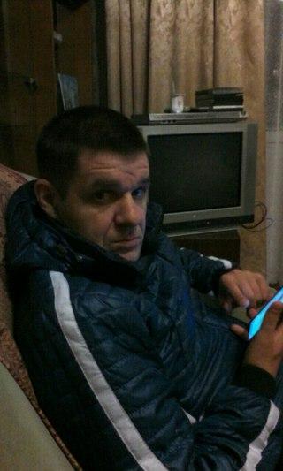Геи замотали мальчика в скотч и издеваются фото 411-775