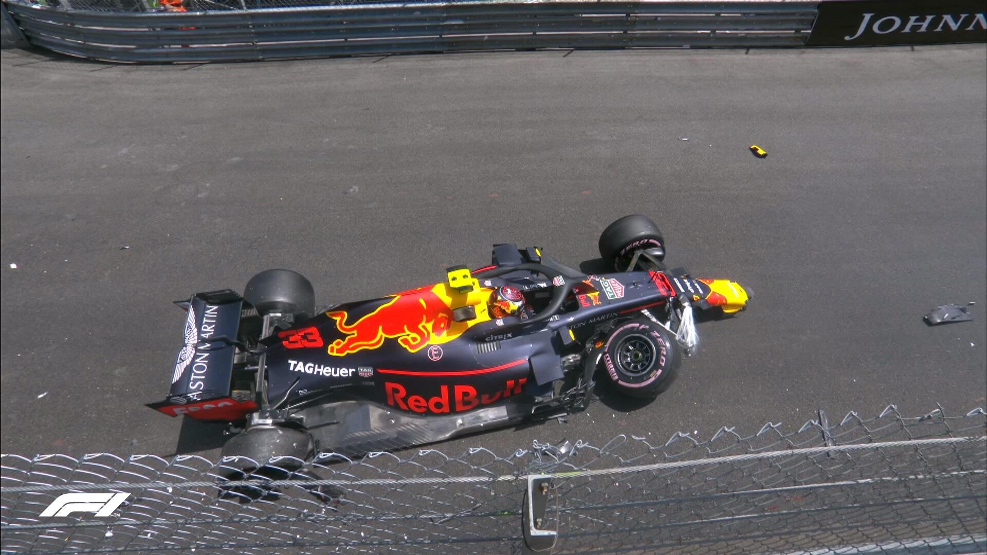 Макс Ферстаппен разбивает машину в субботней тренировке в Монако