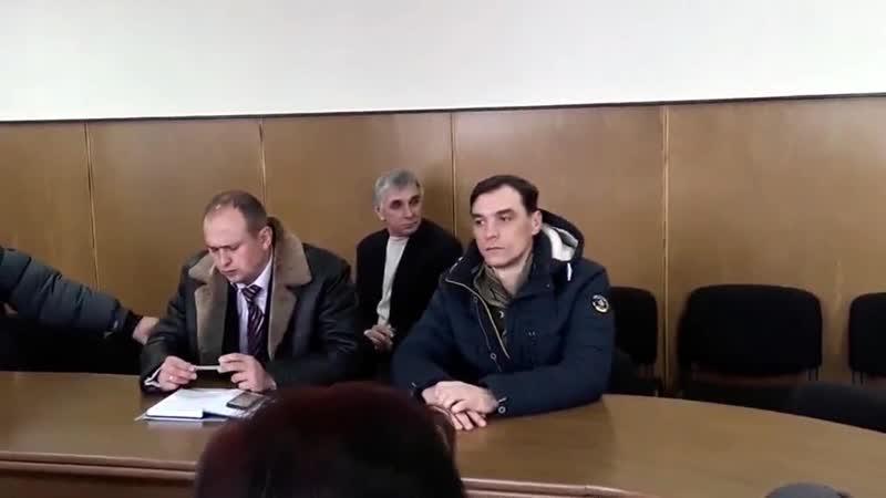 Зясовують, хто винний у затопленні підвалів на вул.Б.Хмельницького,46