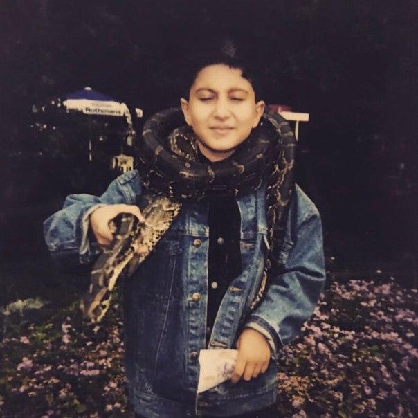 в фото детстве сардаров амиран