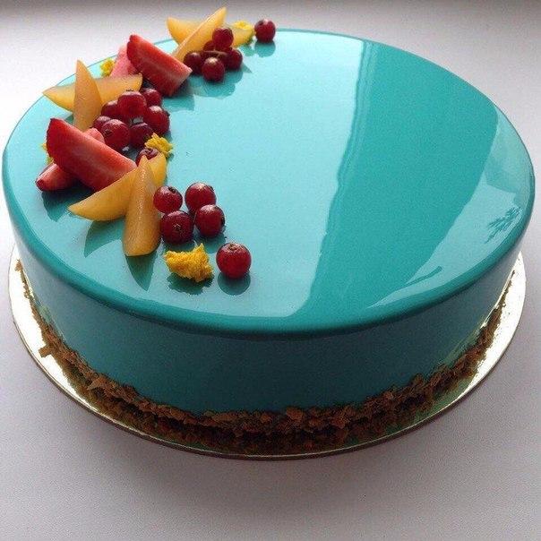 Торт, над которым работали