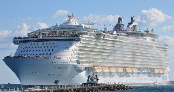 Самый крупный в мире лайнер