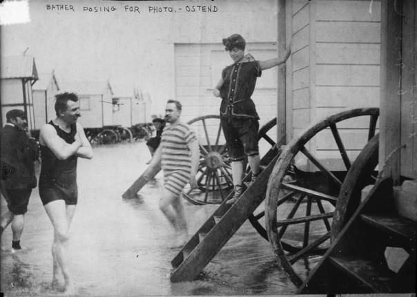 Купальная машина, что это такое Как купались в XVIII и XIX веках и при этом умудрялись сохранять правила приличия тех времен.Купальная машина -в России и Австро-Венгрии была известна как