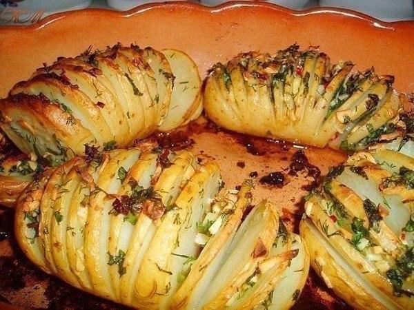 Картофельный гарнир Ингредиенты: – картофель (по количеству персон)