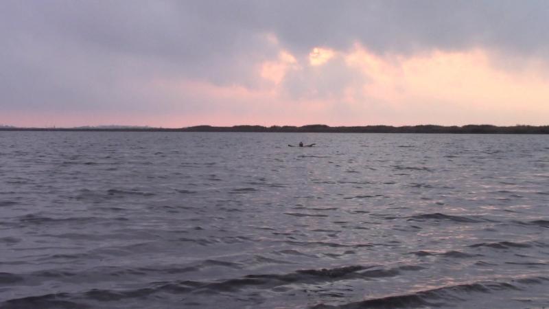 Сакское лечебное озеро на закате в сентябре