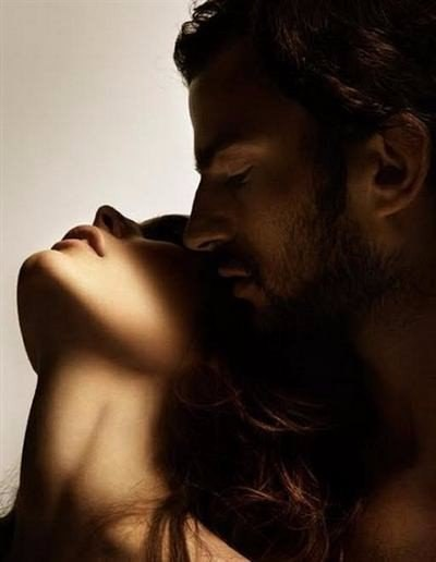 Женская сексуальность – так в чем состоит ее загадка? Многие девушки убеждены - дело Исключительно во внешности! Вроде как, абсолютное большинство мужчин питают слабость к округлым женским формам и плавным изгибам, а фигура «песочные часы» - всеобщая мужская мечта… Однако, все мы хоть раз наблюдали феномен, когда необыкновенно красивая Женщина совсем не вызывает влечение у Мужчин. Или ты сидишь на диете, ходишь в салоны красоты и спортзал, но Мужчина, с которым были «потрясающие ночи» еще…
