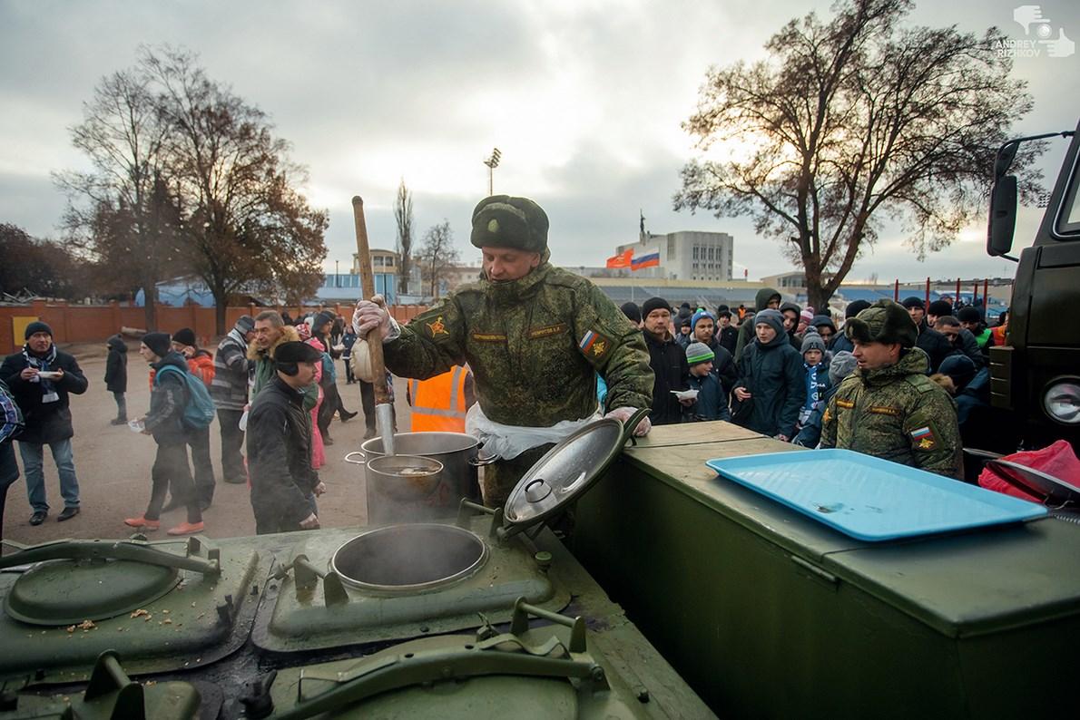 Курский «Авангард» принимает «Нижний Новгород». Болельщики смогут поесть солдатской каши и сфотографироваться с Кубком ФНЛ