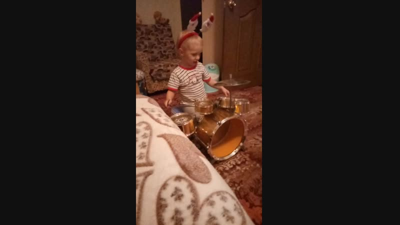 Репетиция голубого огонька(santa_hat)(snowflake)(snowman)(gift)(drum)