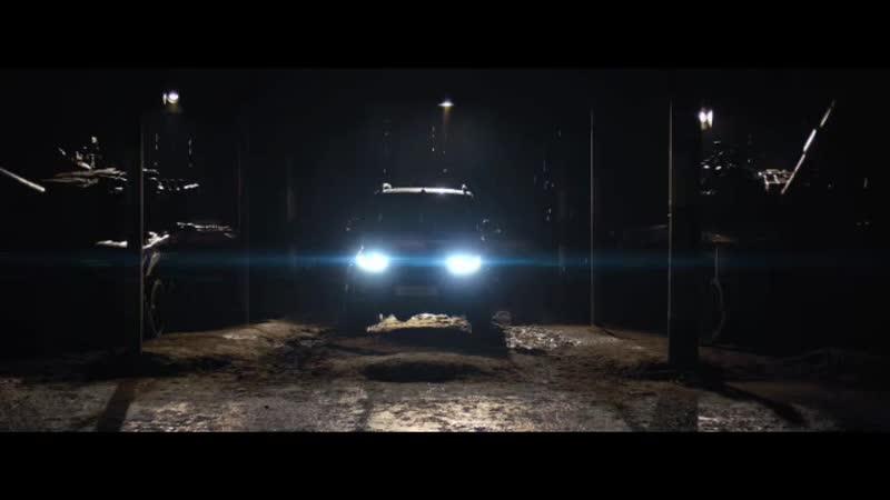 Танк среди машин