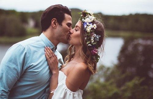 Лучший мужчина - это не набор качеств и материального багажа. это тот человек, рядом с которым ты чувствуешь себя желанной, самой красивой, любимой и просто счастливой.