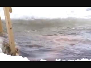 Это лучшее видео на этот момент с купанием в проруби.mp4