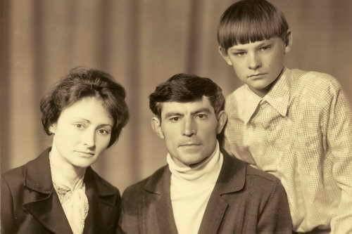 Василь стус та його дружина з сином