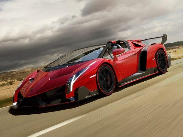 Lamborghini Veneno Roadster Двигатель: Atmo 6.5 V12 Мощность: 750 л.с. Крутящий момент: 730 Нм Привод: Полный Максимальная скорость: 355 км/ч Разгон до 100 км/ч: 2.9 сек Масса: 1490 кг Произведено 9 единиц