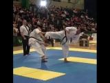 Красивый Иппон Уро маваше какато гери дзёдан в Кёкусинкай карате. Подготовка бойца. http://vk.com/oyama_mas.