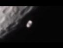 рядом с луной пролетел дискообразный объект