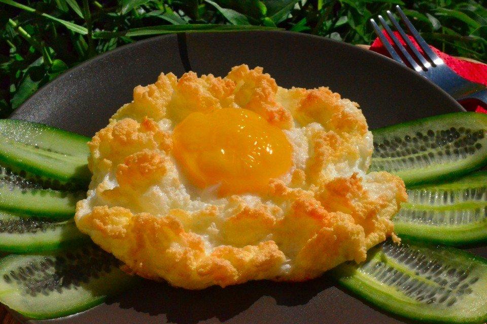 """""""Яичное гнездо"""" Время приготовления: 15 минут Ингредиенты: Яйца куриные —"""