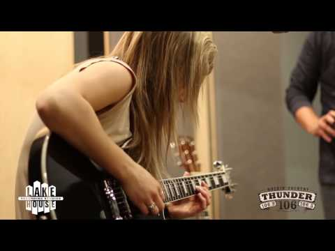 Lindsay Ell performs Don't Take Me Home
