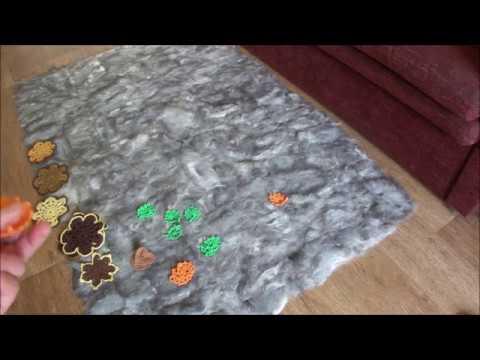 Коврик ручной работы методом валяния из шерсти.