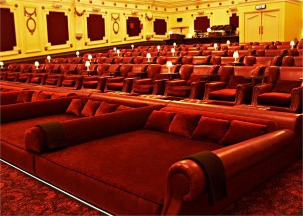 Правильный кинотеатр.