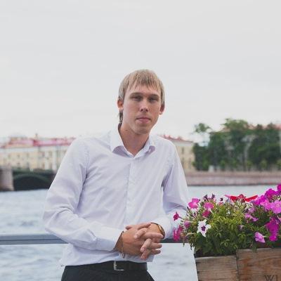 Антон Ефремов