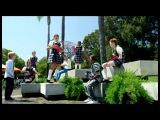 Versión extendida de las colegialas del spot para TV El Movimiento Surface