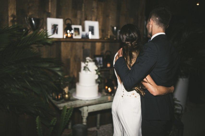 s8UxLzKxsEQ - О чем необходимо знать невесте: советы флориста