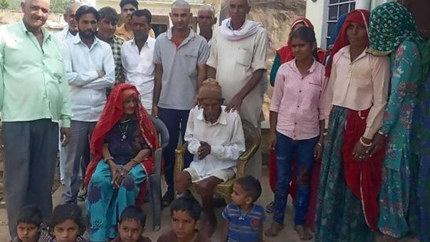 95-летний покойник сел на своих похоронах и заявил, что просто вздремнул 95-летний житель Индии, Буд Рам, потерял сознание, и вызванный врач объявил его мертвым. Семья пожилого мужчины